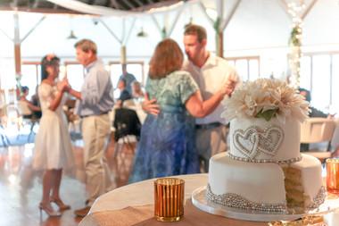 cake-wedding-kerry-howell-photography.jp