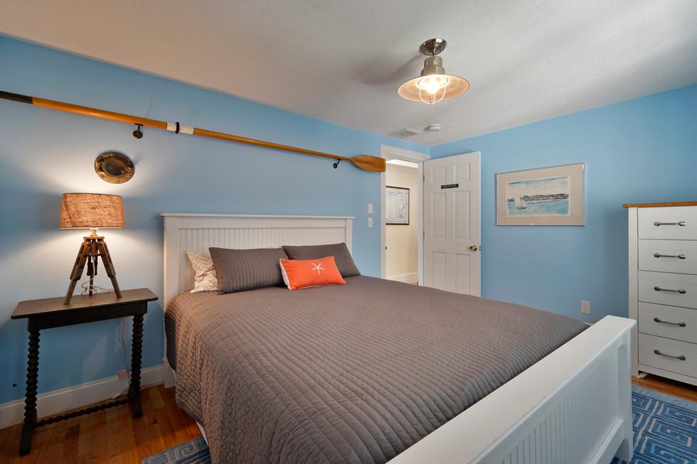 bedroom oar.jpg