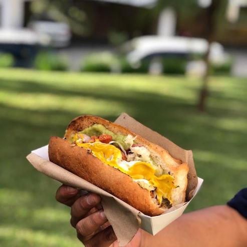 """"""" El Súper"""" Hot Dogs del Liceo"""