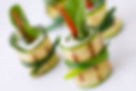 tranche de courgette enroulée frmage salade