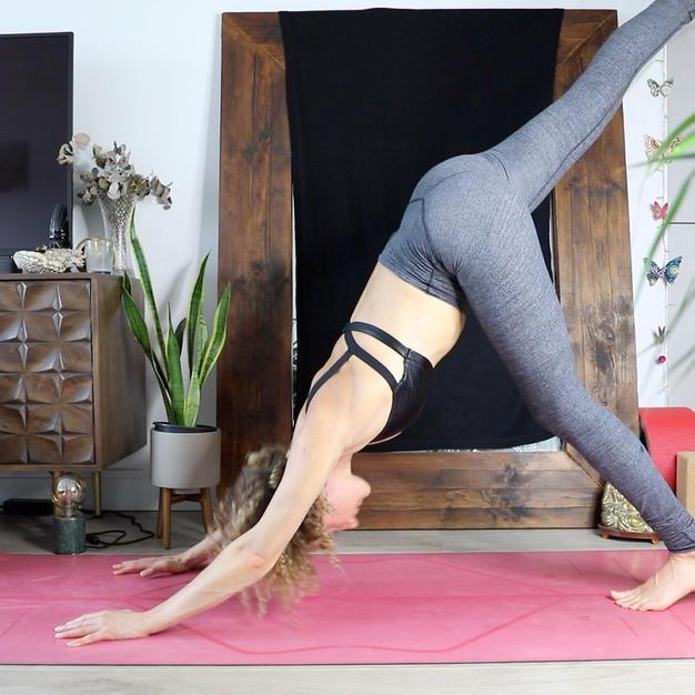 STRENGTHENING FLOW + JUICY YIN FOR LEGS (52mins)