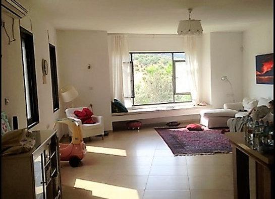"""למכירה בית שטוח בעמיקם  בנוי 180 מ""""ר 6 חד׳"""