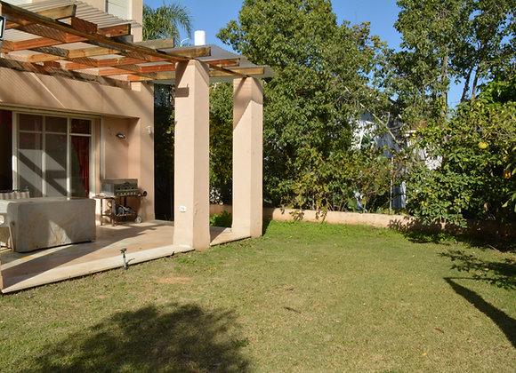 למכירה וילה 7 חד׳ בבנימינה שטח בנוי 230 מ״ר