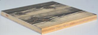 Panneau 3 plis Epicéa brossé avec finition peinture, vernis, lasure, vernis intumescent