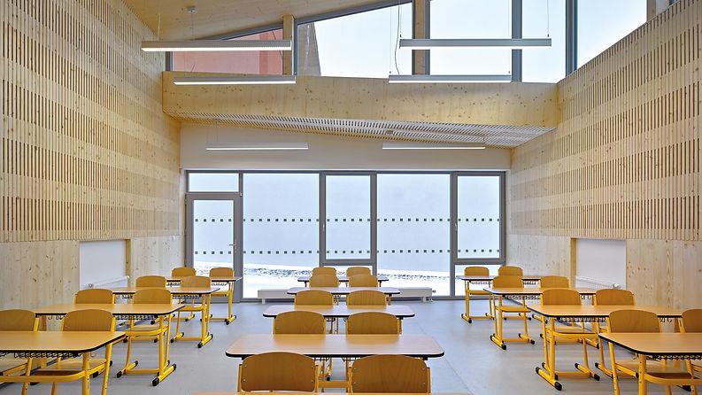 Construction bois ERP projet public CLT NOVATOP panneaux acoustiques 3 plis école en bois