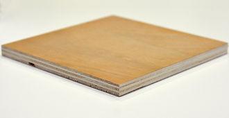 Panneau de bois contreplaqué INVERNIZZI Peuplier twin okoumé Imca panels, contreplaqué bois rouge