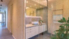 intérieur de maison en bois massif, pièce à vivre, salle de bain en bois massif 3 plis et 5 plis, triplis, panneaux de bois massif essence épicéa Novatop Imca panels