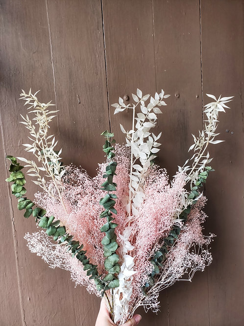 Dried Bouquet: Dried Baby's Breath and Ruskus