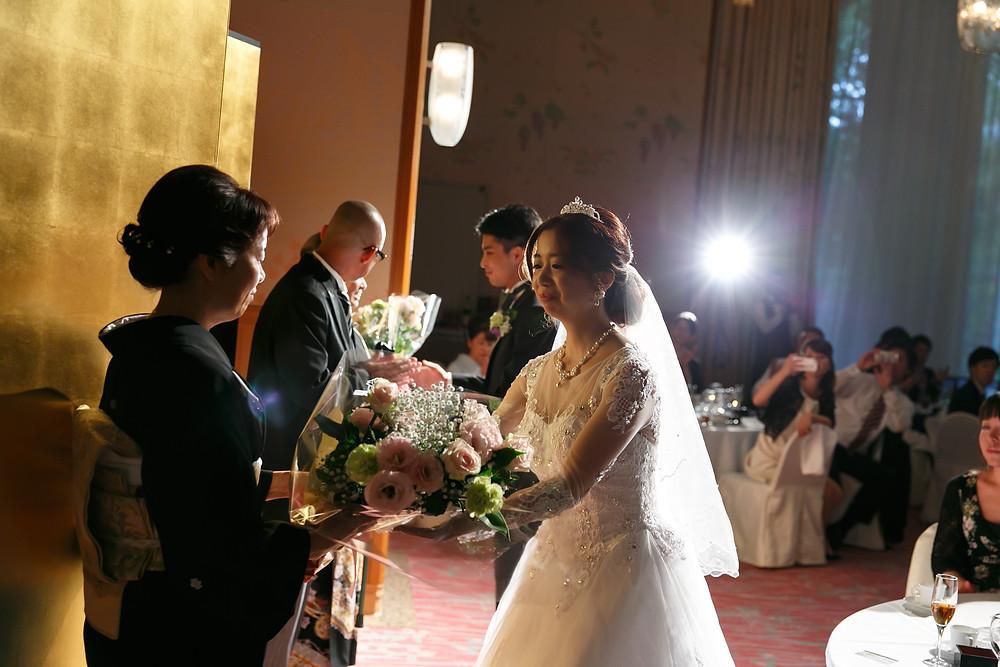 結婚式|親御様に花束を。