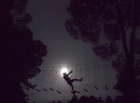 Saltapins a la Luz de la Luna
