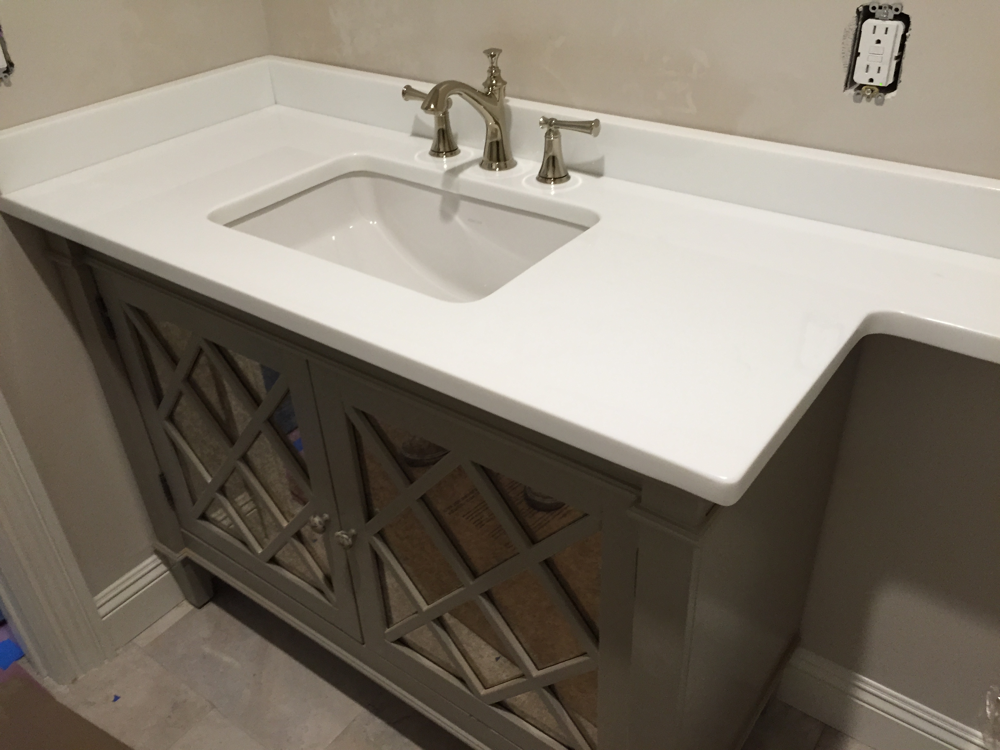 Glassos Vanity Top