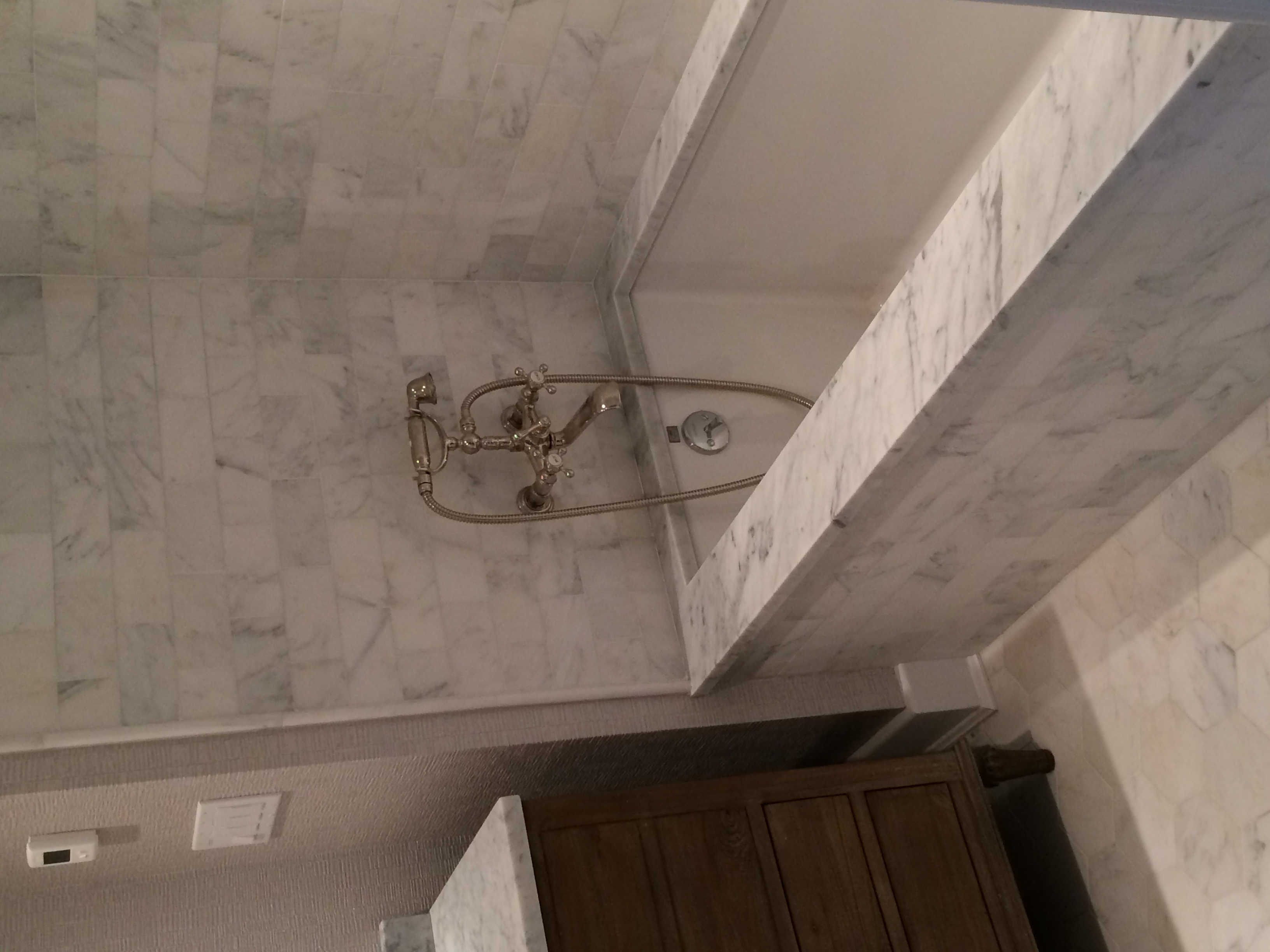 Carrara Tub Deck & Subway Walls