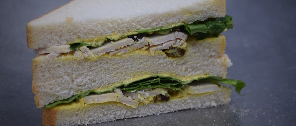 Coronation Chicken, Sultanas & Spinach on White (s&c)