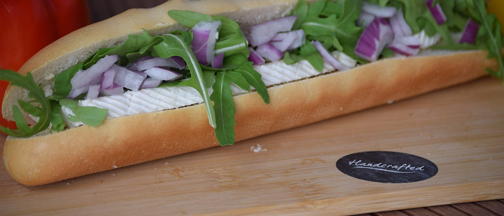Brie, Chutney, Red onion & Rocket White Baguette