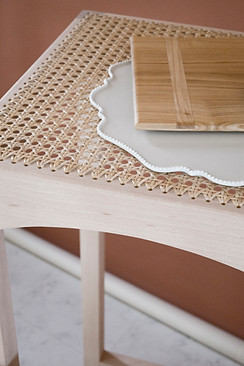 COUNTER STOOL & TABLE