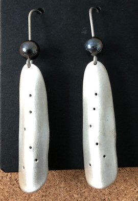 silver earring with bloodstone bead 2 3_