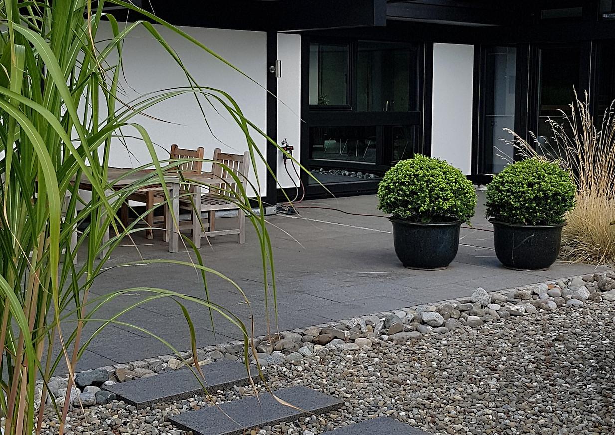 Terrassenplatten Granit anthrazit