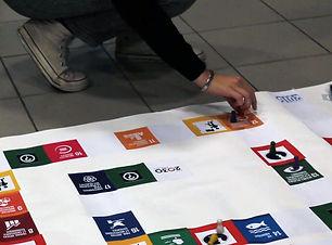 Jeu_des_ODD - Kurioz - Objectifs de développement durable Lafi Bala Association ECSI ECM EDD Citoyenneté  Transition Engagement Jeux Outils Animation Immersive Ludique Pédagogie  Education populaire scolaire collège lycée