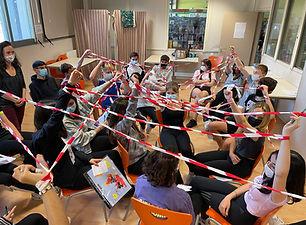 Le fil de l'info - jeu de la ficelle - médias -info - ritimo Lafi Bala Association ECSI ECM EDD Citoyenneté  Transition Engagement Jeux Outils Animation Immersive Ludique Pédagogie  Education populaire scolaire collège lycée