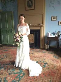 Bride in amazing Manor