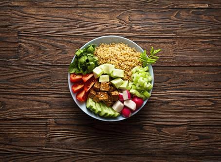 Quer manter a saúde equilibrada? Conheça a pirâmide alimentar vegana!