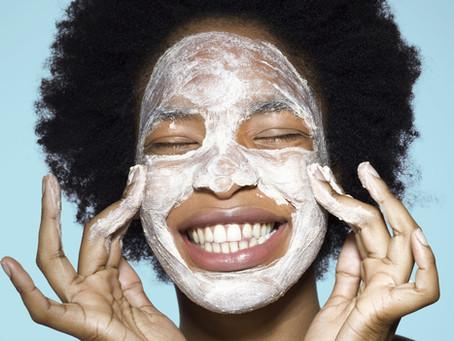 3 máscaras faciais caseiras para você usar hoje mesmo!