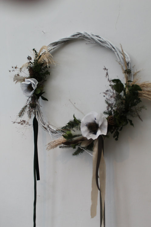 Medium White flower, fresh wreath