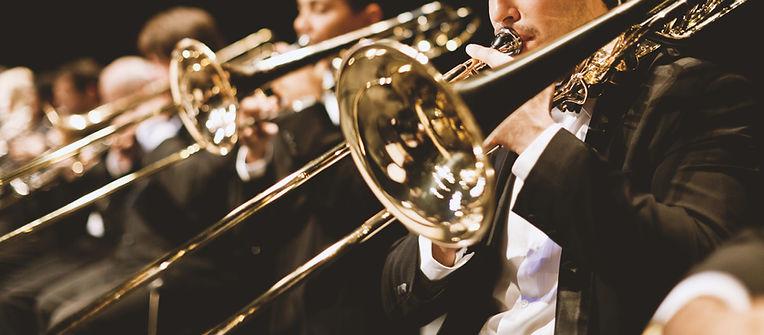 orkestrada Trompet oyuncular