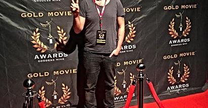 Londrada düzenlenen Gold Movie Awards Goddess Film festivaline gidip oradaki atmosferi yaşamak çok keyifliydi, ödülümü alıp gelmek, orada herkesle tanışıp özel paylaşımlarda bulunmak çok keyifliydi, umarım daha güzelleri, çalışan üreten herkesin karşısına çıkar, o anın tadına varır.    Baturhan Bilgin