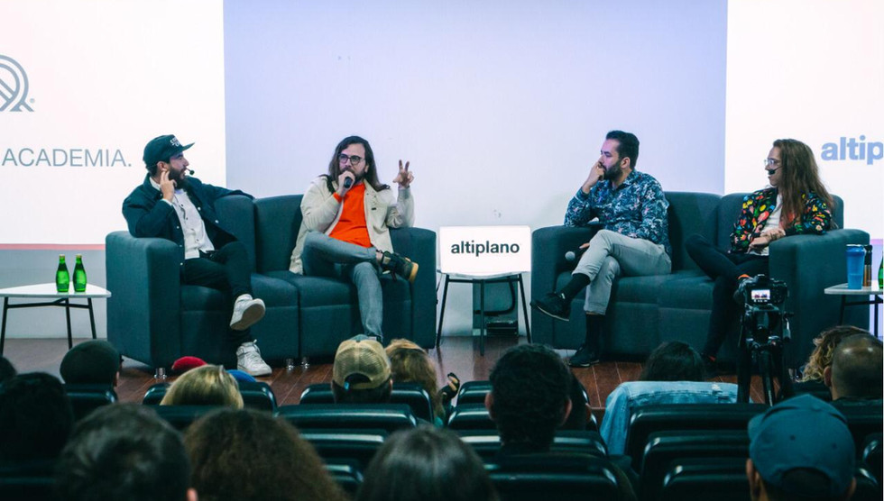 Panel con Sabino, Villor y Dex