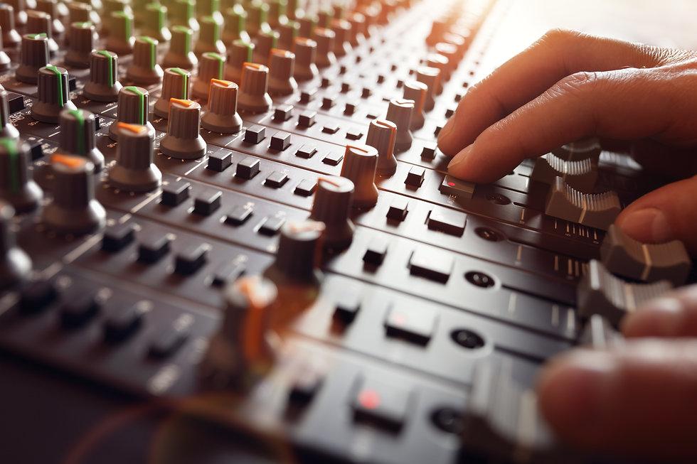 sound-recording-studio-mixer-desk-PNWAD9