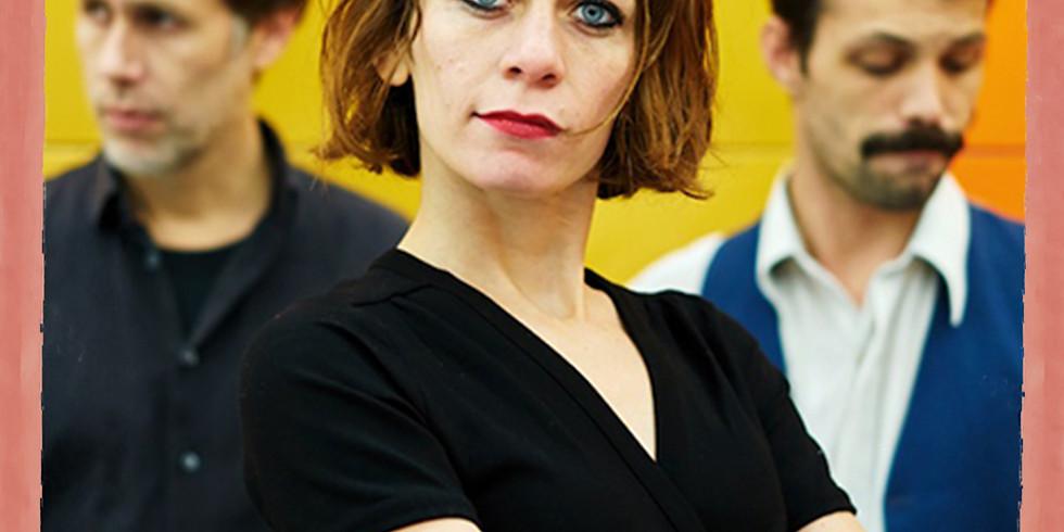 Victoria Delarozière