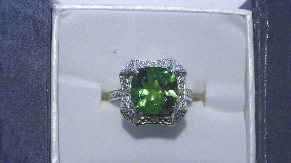 Chartreuse Quartz (4.15ct) & dia (.03ct) ring in Plat/ 925 Sterling