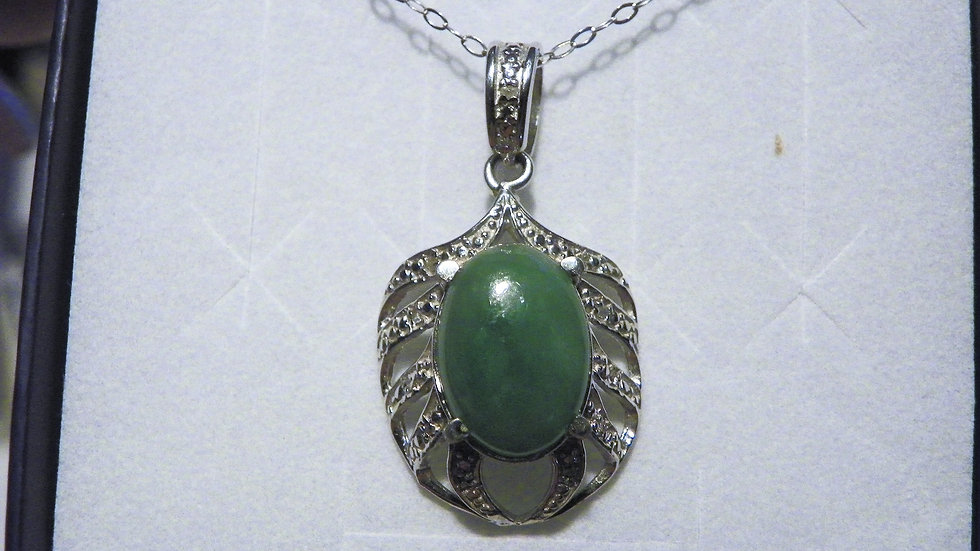 Green Jade (6.50ct) & Dia(.05ct) pendant in Platinum over 925 SS w/20 in chain