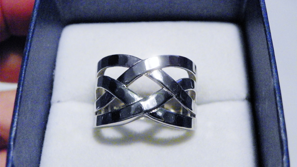 Hammered Rhodium over Sterling Silver negative space ring in size 8