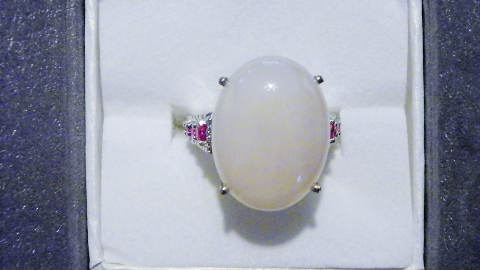 Rose Quartz (15 cts) & simulated red diamond ring in Platinum over Brass sz 7