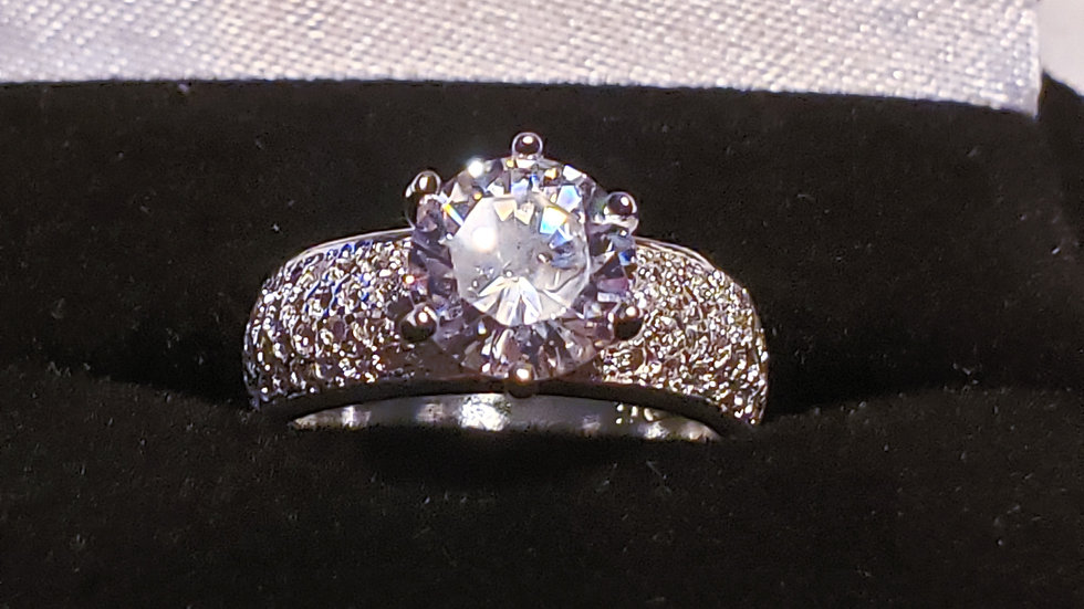 Cubic Zirconia promise/engagement ring in 925 Sterling Silver size 6