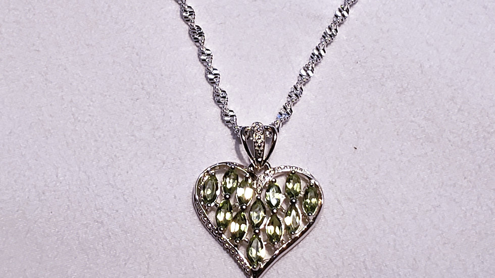 Peridot Heart necklace in platinum over 925 sterling w 20 inch 925 sparkle chain