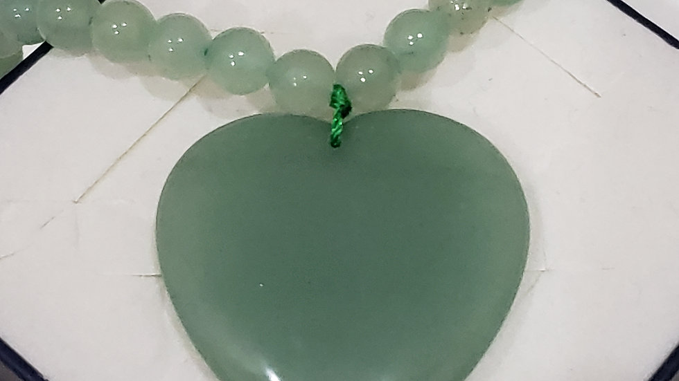 Green Adventurine heart & beads necklace tcw 196.00 cts in 925 SS 20 inches