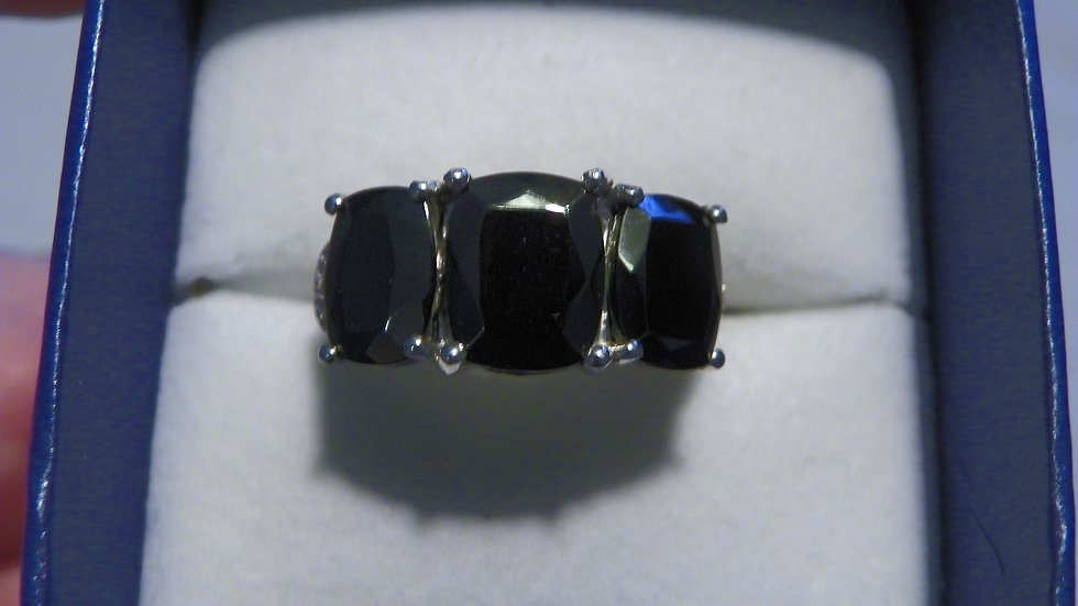 Shungite & Cambodian Zircon trilogy ring 4.27 cts in Platinum over 925 sz 6