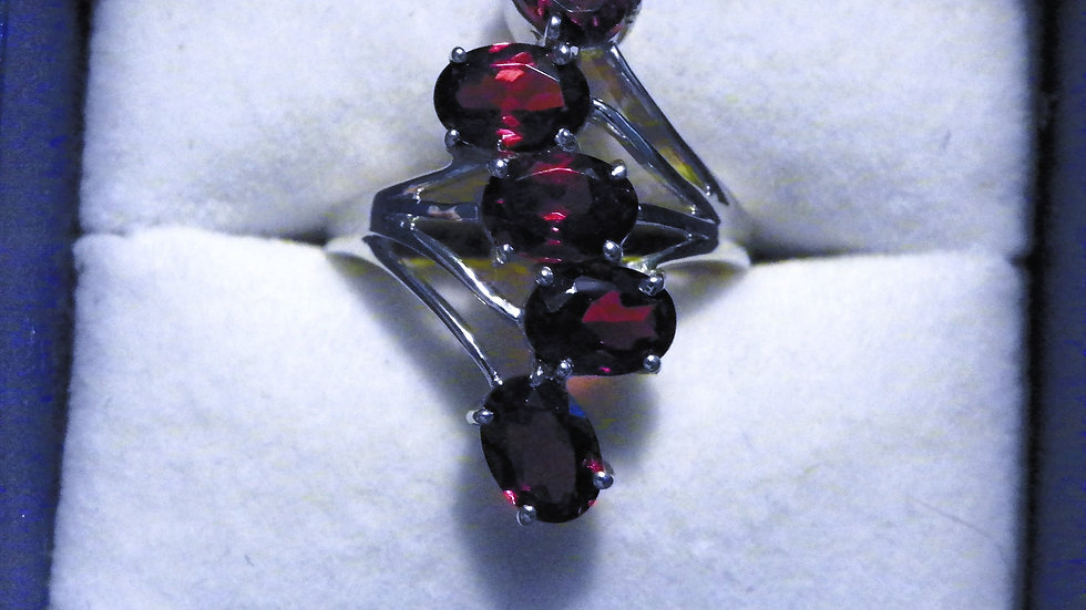 Mozambique Garnet ring (4.36 ct) in Platinum over 925 Sterling Silver sz 6