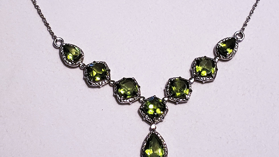 Peridot evening necklace in platinum over 925 sterling silver 17.60 ct 21 inches