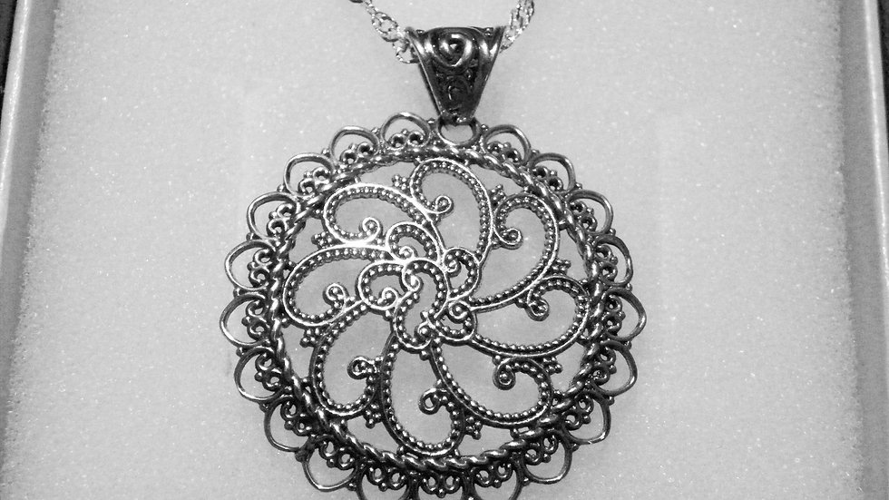 Sterling silver openwork filigree pendant with 20 inch 925 sparkle chain