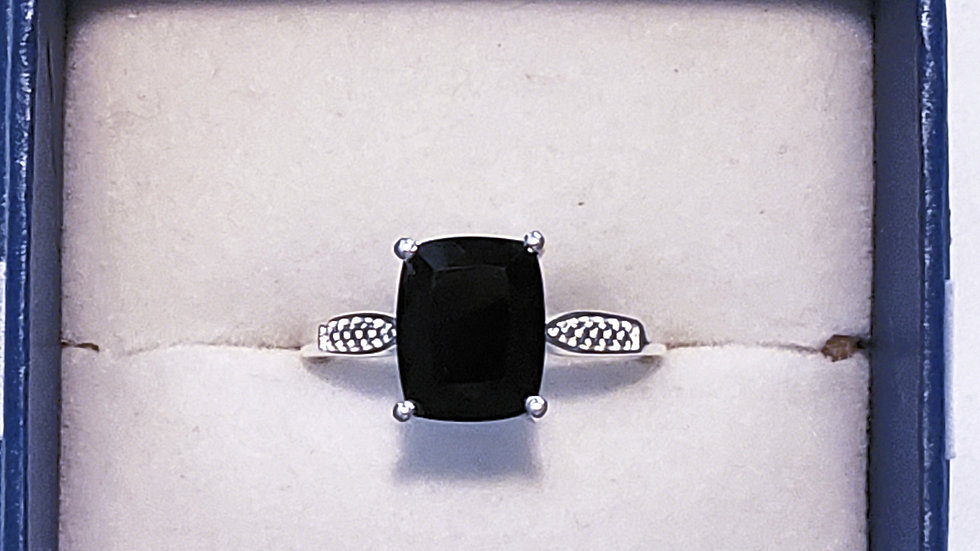Simply Solitaire Australian Blk Tourmaline ring in 925 Sterling Silver 3.15 cts