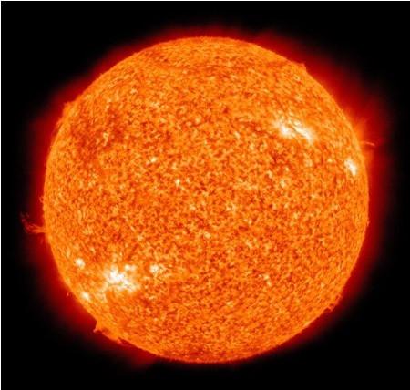 Sonne aufgenommen durch ein starkes Fernrohr
