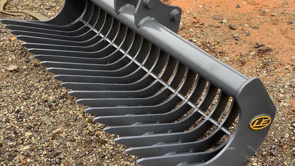 2 to 4 ton rake. Hardox 450