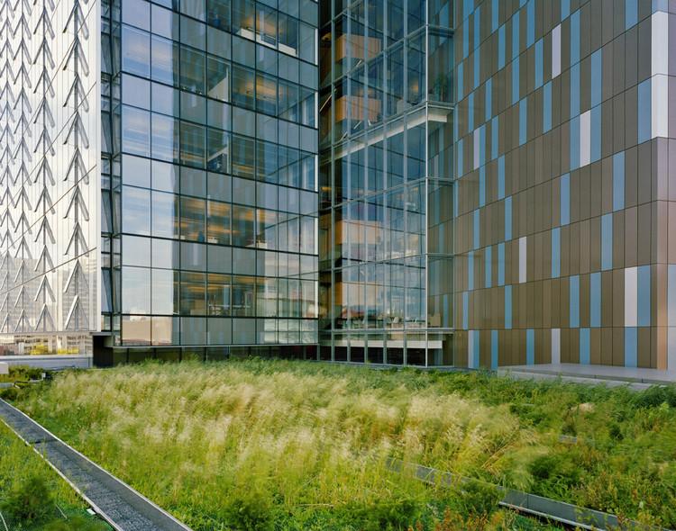 Manitoba Hydro green roof in the Winnipeg Metropolitan Region promotes sustainability - Lake Friendly