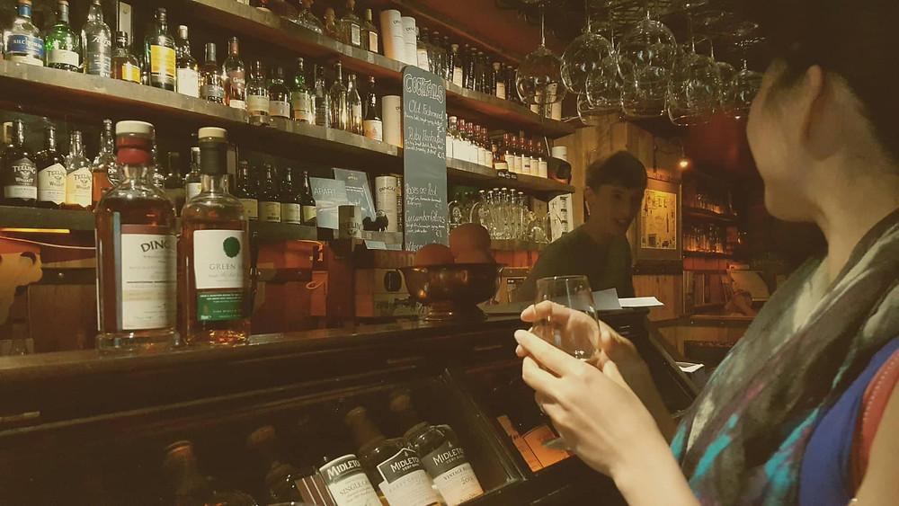 不太懂威士忌的我,總會請調酒師推介合適自己口味的威士忌。。