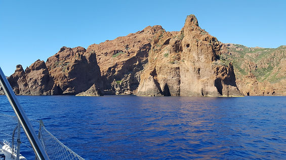 Reserve de Scandola en Corse en voilier
