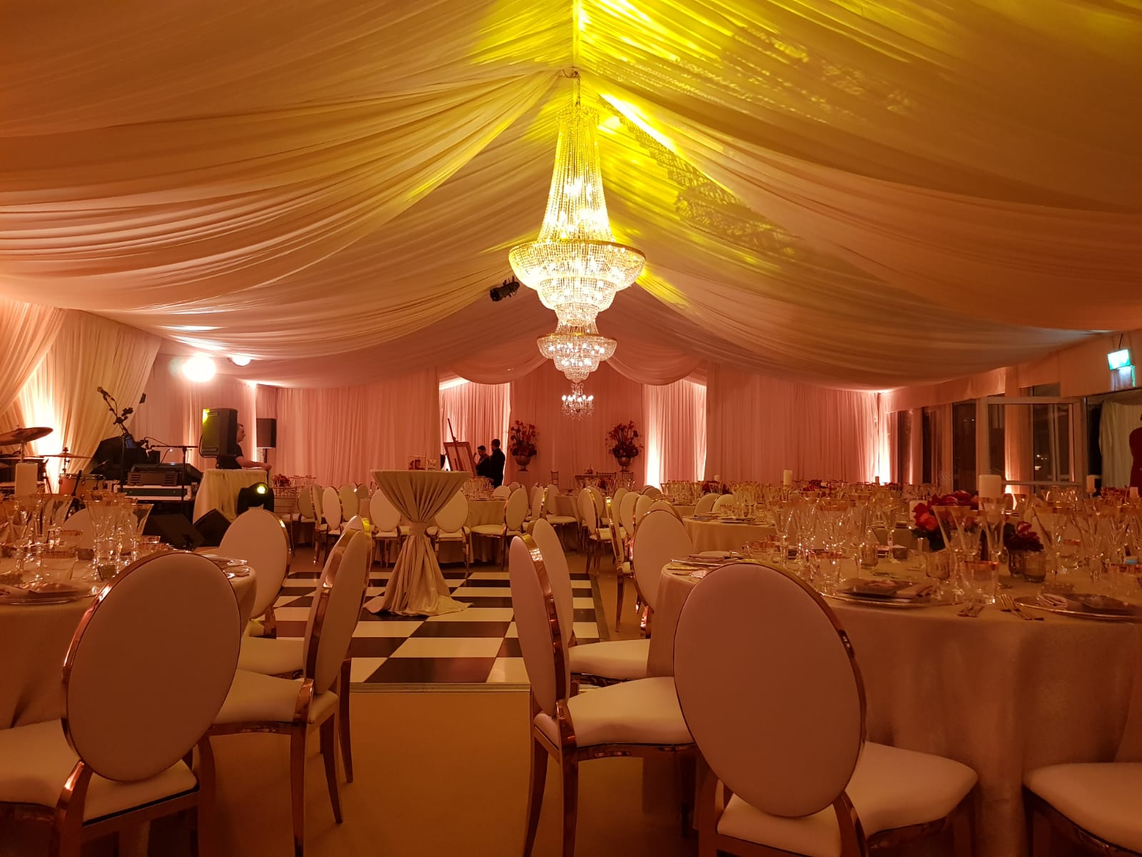Chandeliers Marquees
